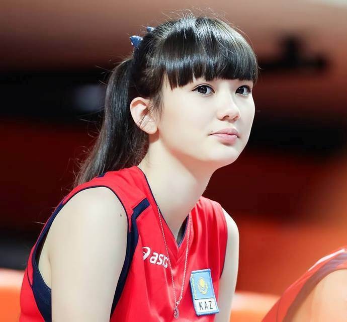hot sports babe Sabina Altynbekova