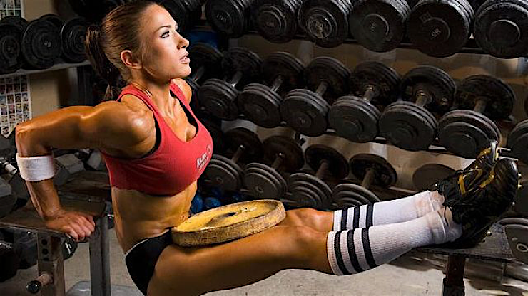 hot sports babes gym junky doing dips